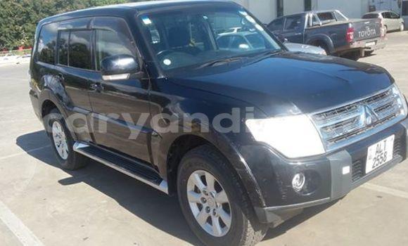 Buy Used Mitsubishi Carisma Black Car in Chingola in Zambia