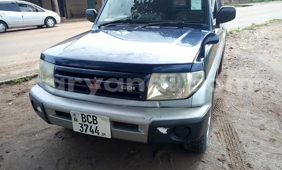 Buy Used Mitsubishi Pajero Blue Car in Lusaka in Zambia
