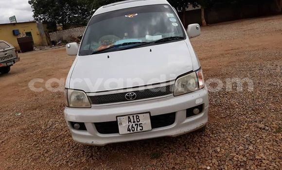 Buy Used Toyota Noah White Car in Lusaka in Zambia