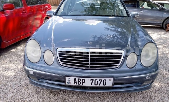 Buy Used Mercedes‒Benz E–Class Blue Car in Lusaka in Zambia