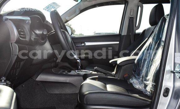 Tenga Imported Toyota Hilux Zvimwe Mota in Import - Dubai in Zambia