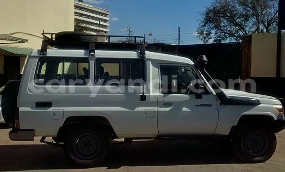Buy Used Toyota 4Runner White Car in Ndola in Zambia