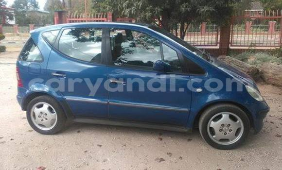 Buy Used Mercedes–Benz 190 Blue Car in Chingola in Zambia