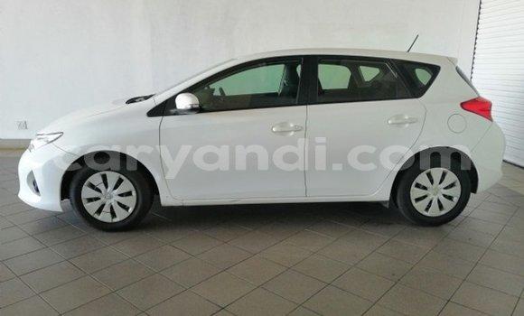 Acheter Occasion Voiture Toyota Auris Blanc à Kitwe, Zambie