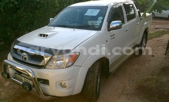 Buy Used Toyota 4Runner White Car in Chipata in Zambia