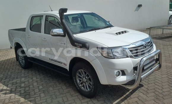 Buy Used Isuzu D–MAX White Car in Kalengwa in North-Western