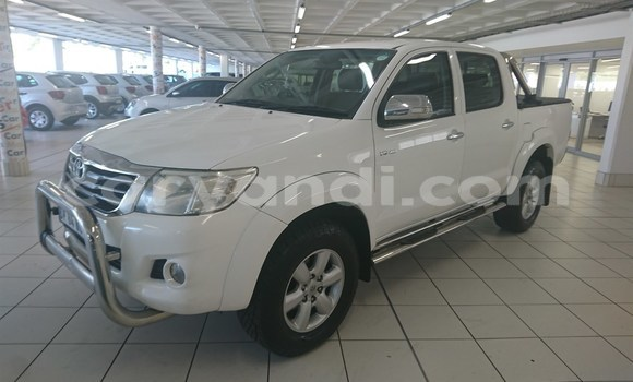 Buy Used Toyota Hilux White Car in Livingstone in Zambia