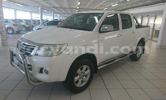 Nunua Ilio tumika Toyota Hilux Nyeupe Gari ndani ya Livingstone nchini Zambia