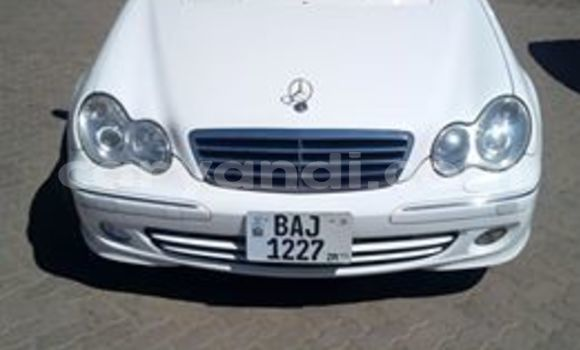 Buy Used Mercedes‒Benz C–Class White Car in Lusaka in Zambia