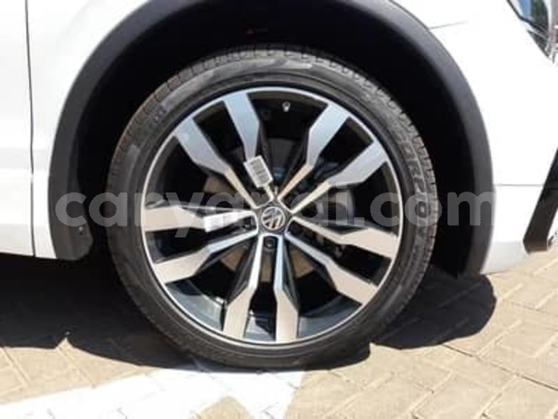 Big with watermark 2015 volkswagen tiguan 6
