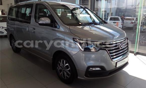 Buy Used Hyundai H1 Silver Car in Lusaka in Zambia
