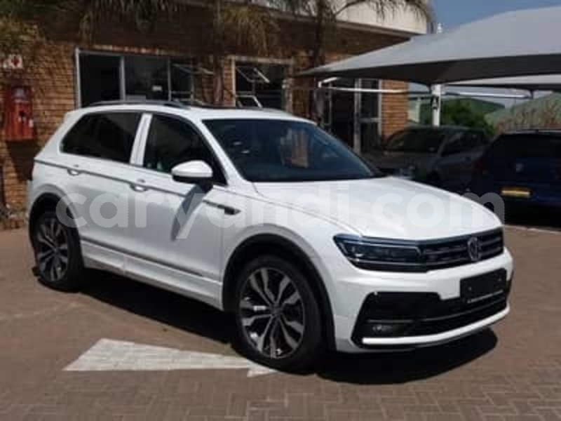 Big with watermark 2015 volkswagen tiguan 4