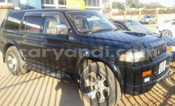 Buy Used Mitsubishi Challenger Black Car in Chipata in Zambia