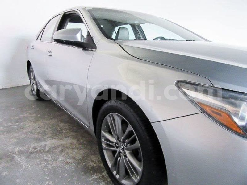 Big with watermark 2016 toyota camry pic 2983683949506419102 1024x768