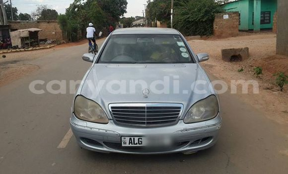 Buy Used Mercedes–Benz 190 Silver Car in Chipata in Zambia