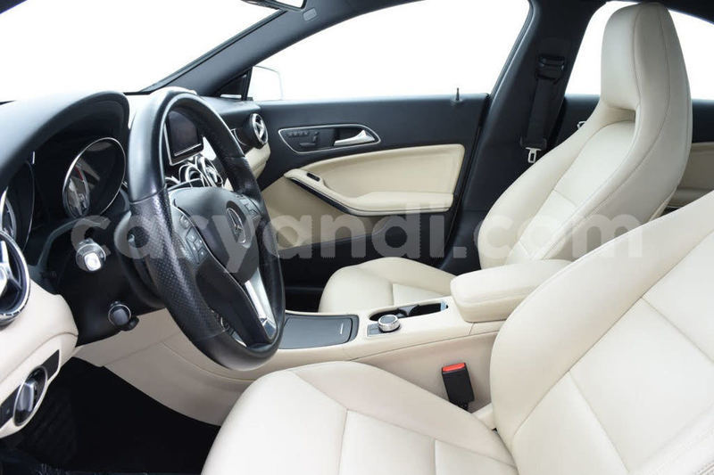 Big with watermark 2014 mercedes benz cla class pic 3543747996104906250 1024x768