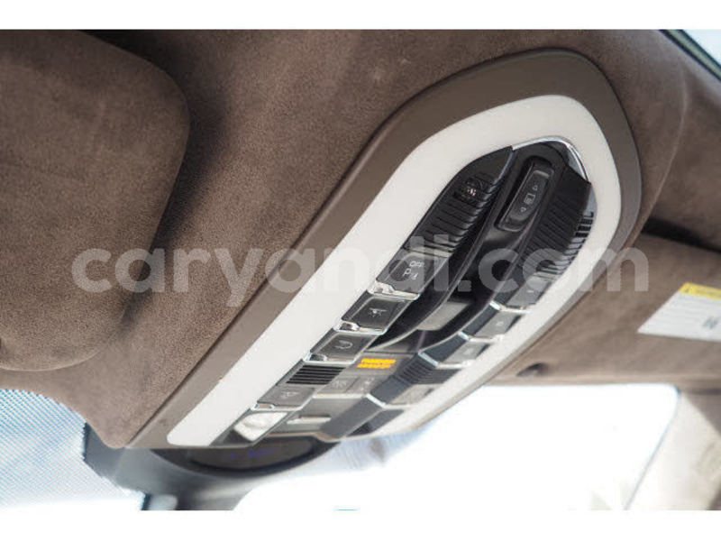 Big with watermark 2011 porsche cayenne pic 5884793171153267143 1024x768