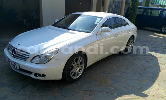 Buy Used Mercedes-Benz CLS-Class White Car in Chipata in Zambia