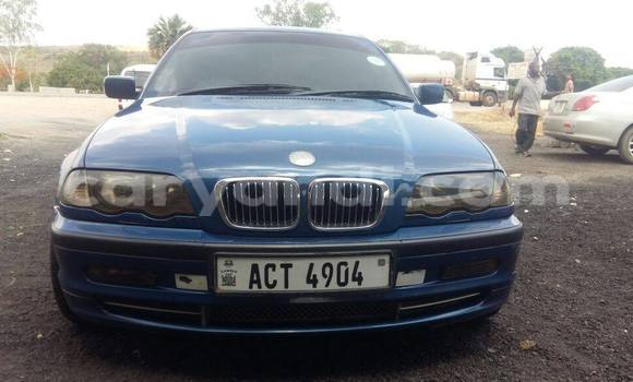 Buy Used BMW 3–Series Blue Car in Chipata in Zambia