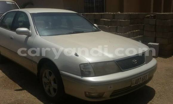 Buy Used Toyota Avalon White Car in Chipata in Zambia