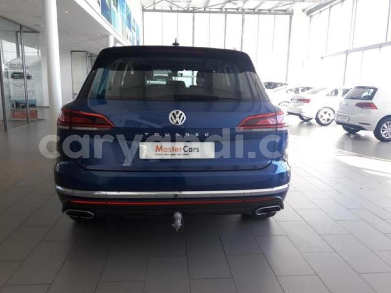 Big with watermark q7