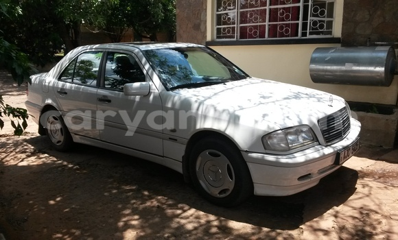 Buy Used Mercedes–Benz C–Class White Car in Livingstone in Zambia