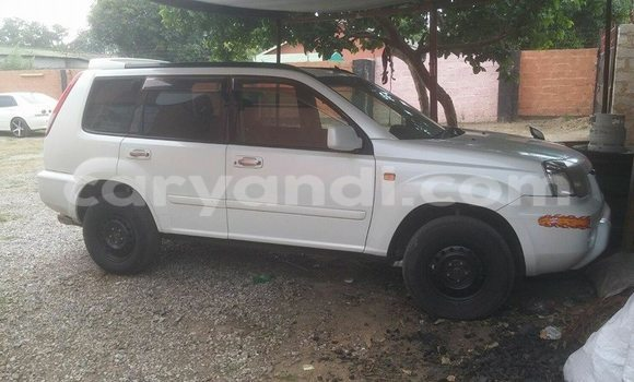 Buy Used Nissan X–Trail White Car in Chingola in Zambia