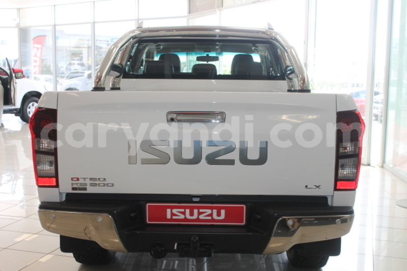 Big with watermark isuzu d%e2%80%93max zambia chipata 8746