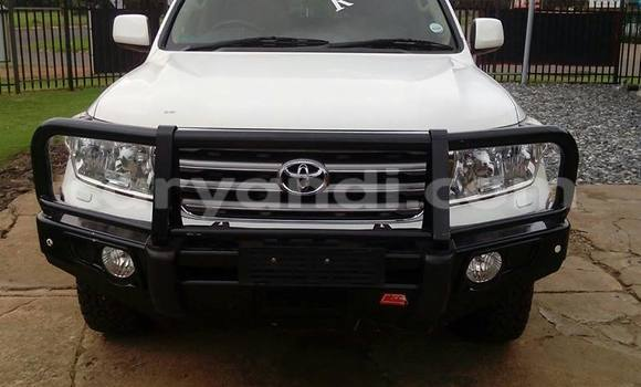 Buy Used Toyota Land Cruiser White Car in Chingola in Zambia