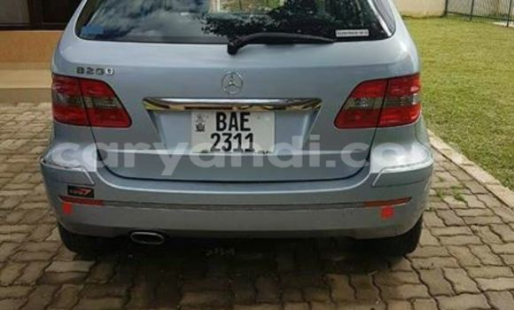 Buy Used Mercedes–Benz 200 Silver Car in Chipata in Zambia