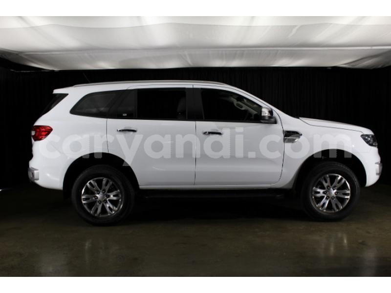 Big with watermark ford everest zambia lusaka 9317