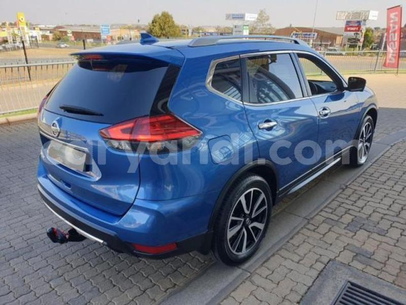 Big with watermark nissan x%e2%80%93trail zambia livingstone 9382