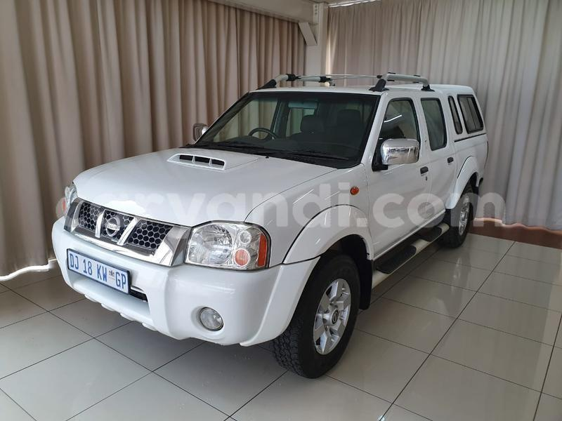 Big with watermark nissan np 300 southern mazabuka 9729