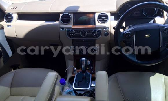 Buy Used Land Rover Discovery White Car in Chingola in Zambia