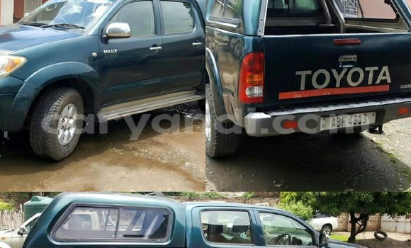Buy Used Toyota Hilux Blue Car in Chipata in Zambia