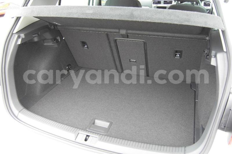 Big with watermark 2016 volkswagen golf 92tsi comfortline 7 auto8