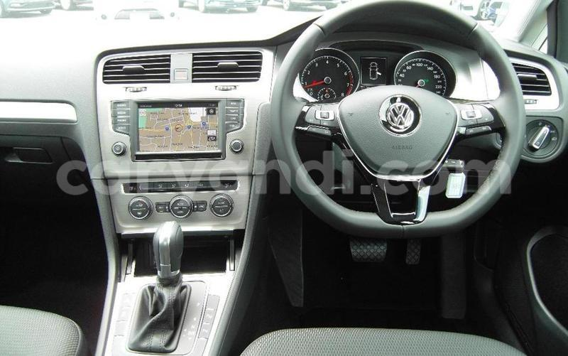 Big with watermark 2016 volkswagen golf 92tsi comfortline 7 auto11
