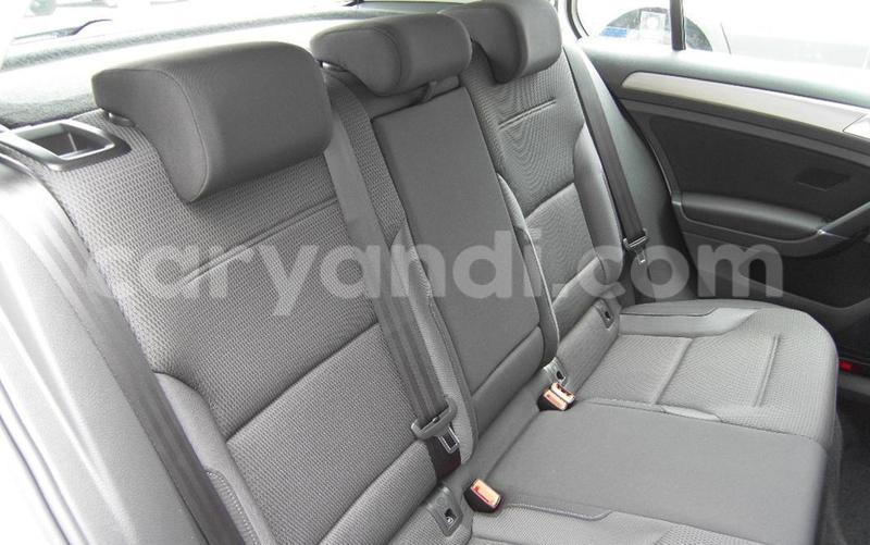 Big with watermark 2016 volkswagen golf 92tsi comfortline 7 auto13
