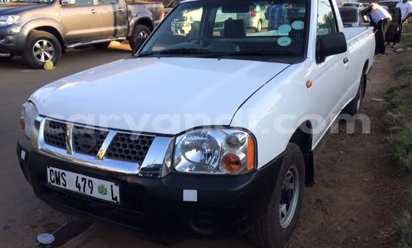 Buy Used Nissan Navara White Car in Chingola in Zambia