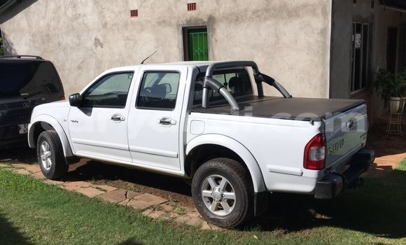 Buy Used Isuzu D–MAX White Car in Chingola in Zambia