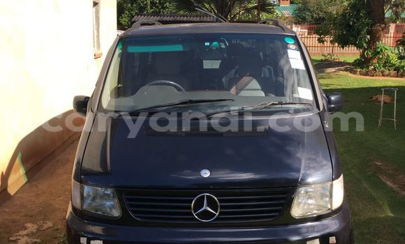Buy Used Mercedes–Benz 190 Black Car in Chingola in Zambia