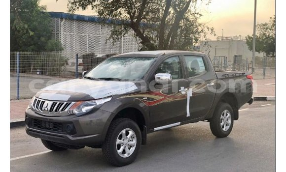 Medium with watermark mitsubishi l200 zambia import dubai 10747