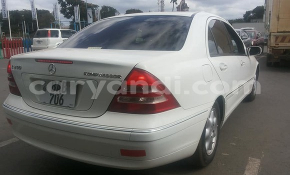 Buy Used Mercedes–Benz C–Class White Car in Lusaka in Zambia