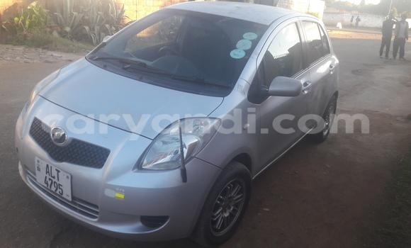Nunua Ilio tumika Toyota Vitz Fedha Gari ndani ya Lusaka nchini Zambia
