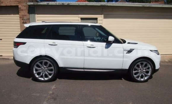 Buy Used Land Rover Range Rover White Car in Lusaka in Zambia