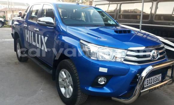 Buy Used Toyota Hilux Blue Car in Lusaka in Zambia