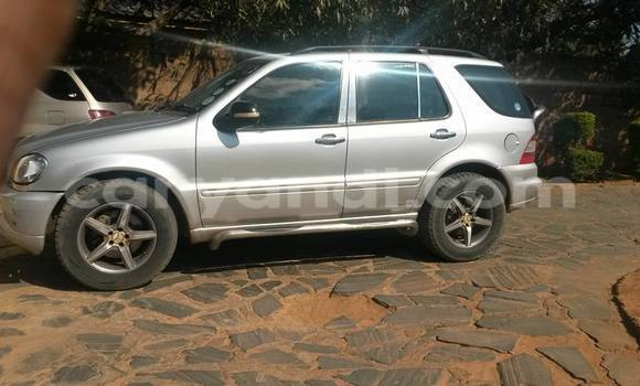 Buy Used Mercedes-Benz ML-Class Silver Car in Lusaka in Zambia