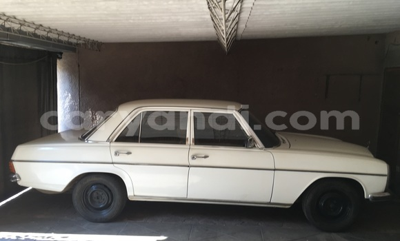 Buy Used Mercedes-Benz 230 White Car in Ndola in Zambia
