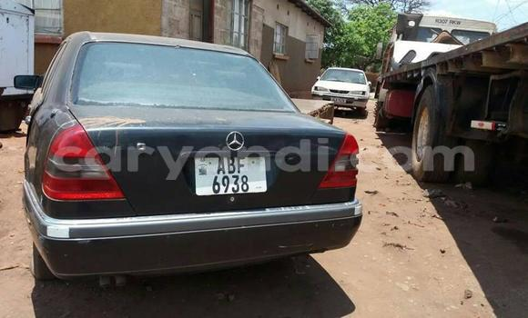 Buy Used Mercedes-Benz 200 Black Car in Lusaka in Zambia