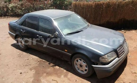 Buy Used Mercedes–Benz 200 Black Car in Lusaka in Zambia
